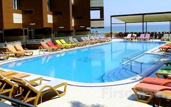 Grand-Gold-Hotel 4* басейн